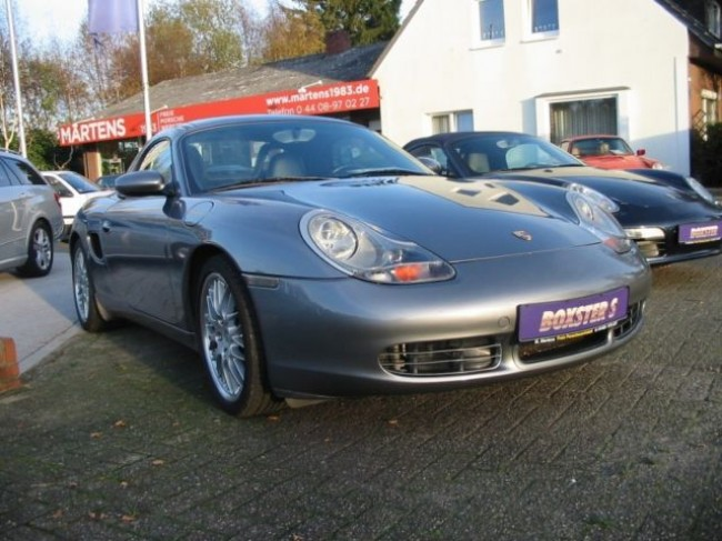PORSCHE BOXSTER S IN SEALGRAU