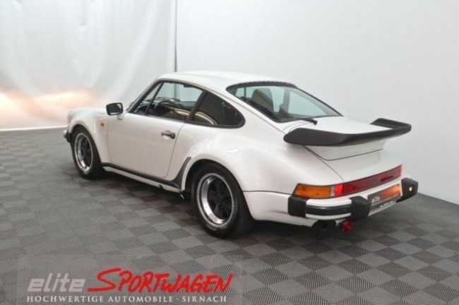 PORSCHE 911 CARRERA COUPE TURBO-LOOK